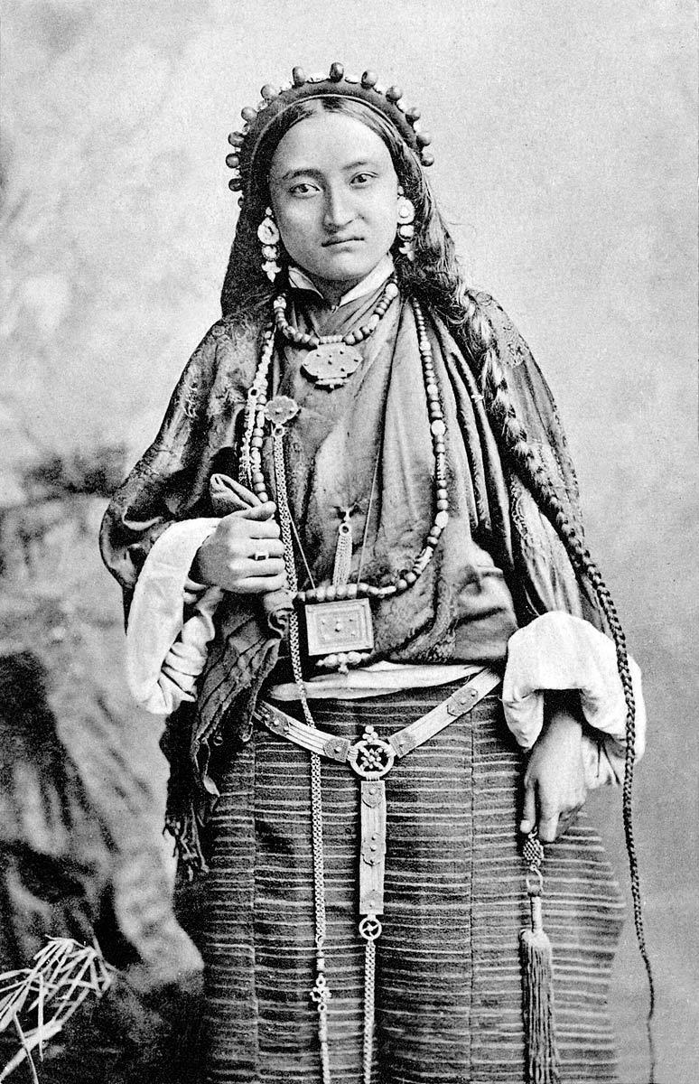 Thibetan [Tibetan] Woman, Darjeeling