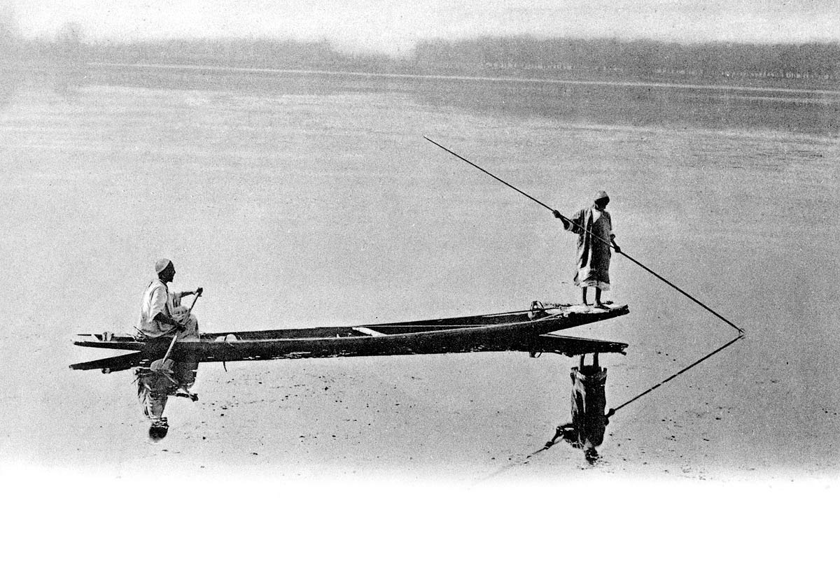 Spearing Fish on the Dhal, Kashmir