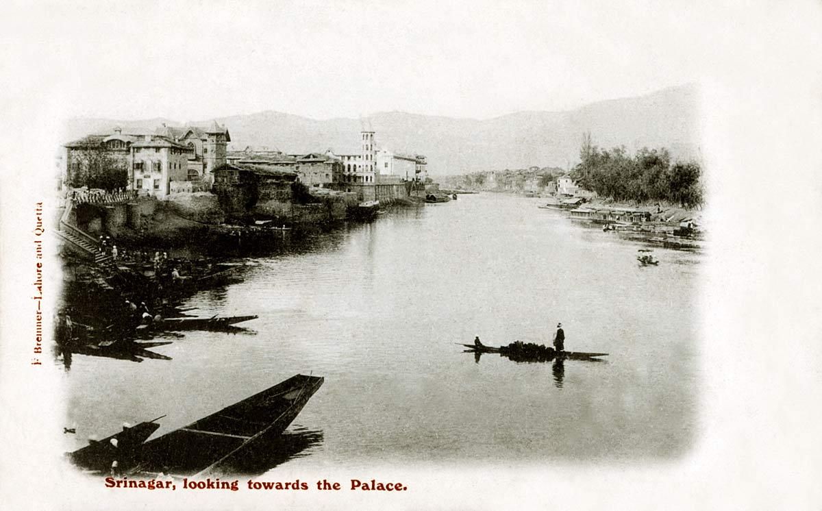 Srinagar, looking towards the Palace
